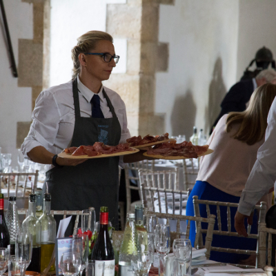 We are a professional and experienced outside catering company based in North Yorkshire. We offer bespoke catering packages including bar hire, hog roasts and much more across Yorkshire and the North of England.